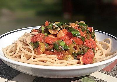 medvehagymas-paradicsomos spagetti-antalvali