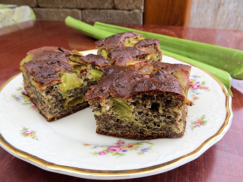 Mákos-rebarbarás süti